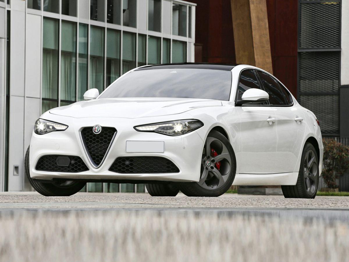 New 2021 Alfa Romeo Giulia Base