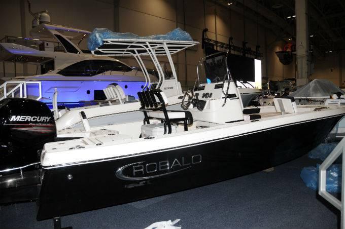 New 2019 ROBALO 206 Cayman