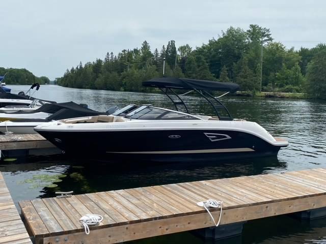 Pre-Owned 2017 SEA RAY 230 SLX