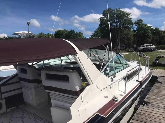 Pre-Owned 1989 WELLCRAFT ST TROPEZ