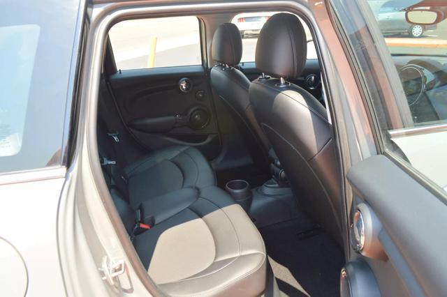 Pre-Owned 2017 MINI Hardtop 4 Door Cooper Hatchback 4D