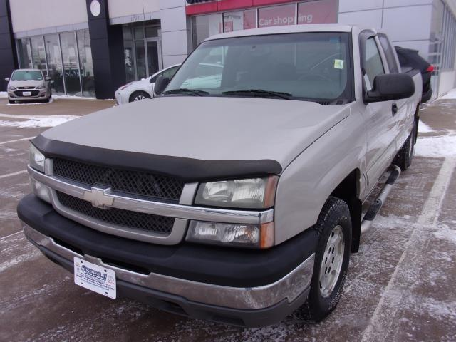 Pre-Owned 2004 CHEVROLET SILVERADO 1500 4WD Pickup - Full Size