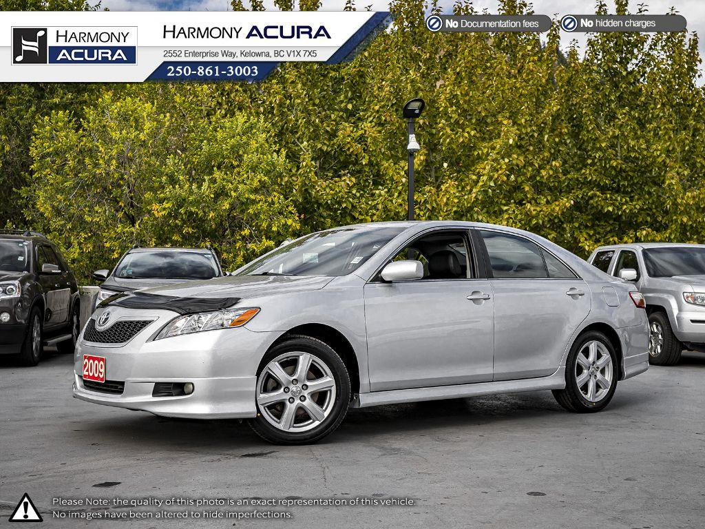 Pre-Owned 2009 Toyota Camry SE - ONE OWNER - SUNROOF - BACKUP CAMERA - NAVIGATION SYSTEM - NEW TIRES - NEW REAR BRAKES