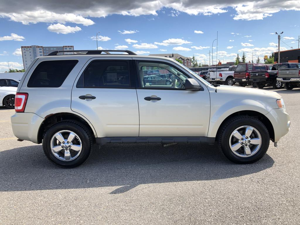 Pre-Owned 2012 Ford Escape XLT Heated Leather Seats / Sunroof